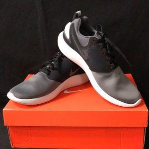 Nike Men's Lunarsolo Running Shoes